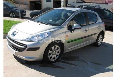 Peugeot 207 1.4i Urban 75 5 p. en Madrid