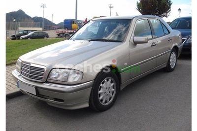 Mercedes Clase C C 180 4 p. en Madrid