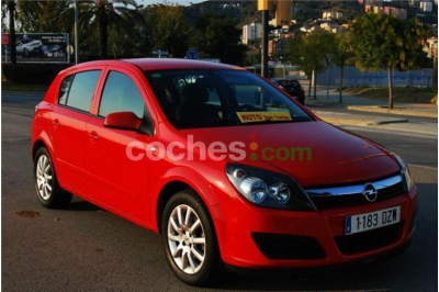 Opel Astra 1.6 16v Enjoy - 5.900 € - coches.com