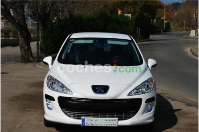 Peugeot 308 1.6 Vti Premium 5 p. en Barcelona