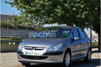 Peugeot 307 1.6i Xr 5 p. en Barcelona