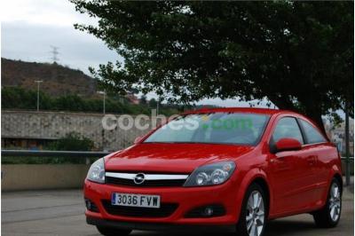 Opel Astra Gtc 1.9cdti Sport 3 p. en Barcelona