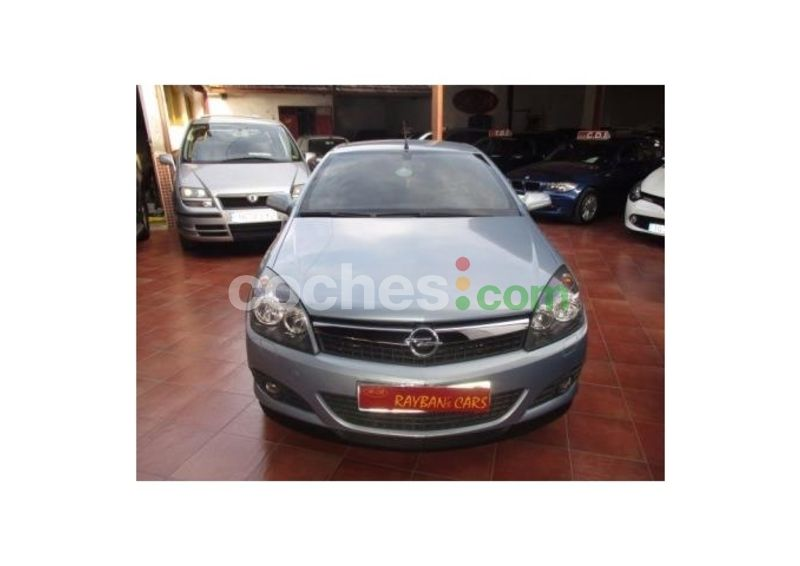 Foto del OPEL Astra Twin Top 1.9CDTi Enjoy