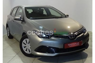 Toyota Auris 90d Business 5 p. en Huelva