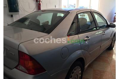 Ford Focus 1.8 TDCi Ghia 100 - 2.500 € - coches.com