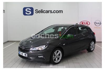 Opel Astra 1.4t S-s Dynamic 125 5 p. en Madrid